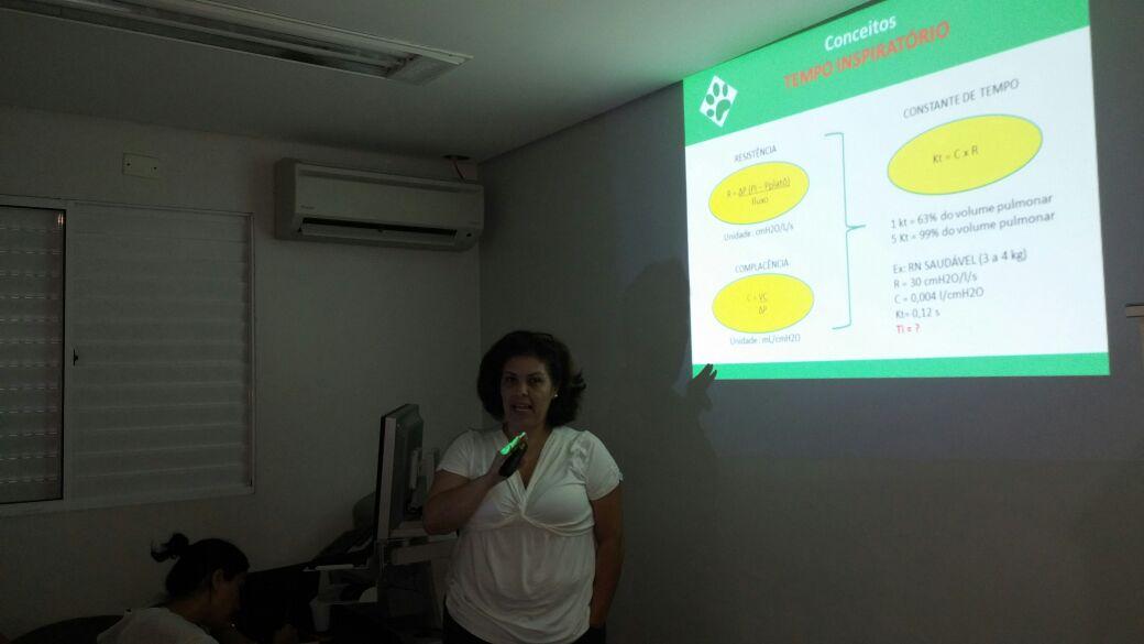 """24/04 - Treinamento interno de """"Ventilação Mecânica"""", com a Fisioterapeuta Pediátrica Viviane Salgado"""